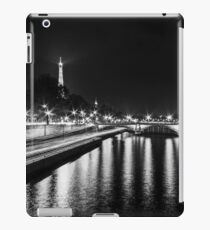 Eiffel Tower overview - panorama (Black & White) iPad Case/Skin