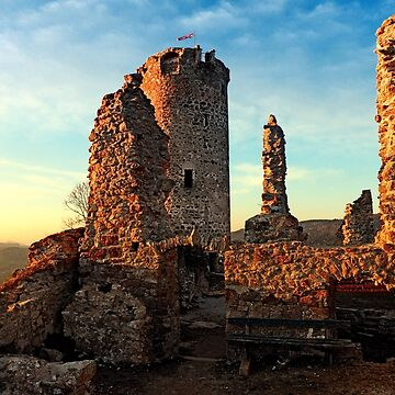The ruins of Waxenberg castle | architectural photography by patrickjobst