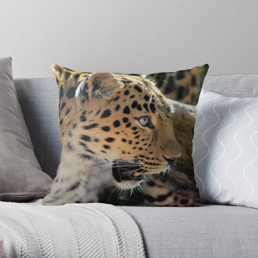 Lepord Throw Pillow
