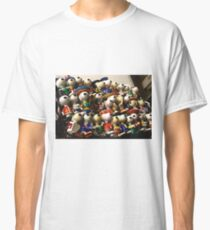 Snoopy going multinational Classic T-Shirt