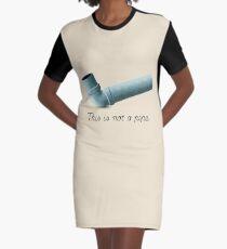 Ceci n'est pas une pipe Graphic T-Shirt Dress