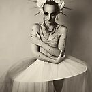 Drama queen in black and white   by Alexandra Ekdahl