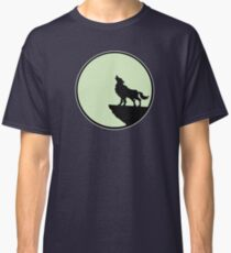 wolf moon wolf Classic T-Shirt