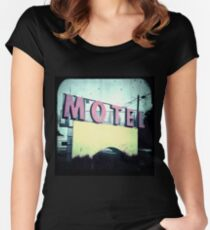 Motel Women's Fitted Scoop T-Shirt