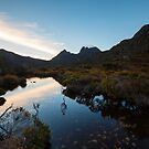 Morning Reflections @ Cradle Mountain by tinnieopener