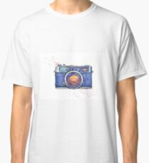 Watercolor vintage photo camera Classic T-Shirt
