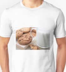 Transparent cup with milk and oatmeal cookies T-Shirt