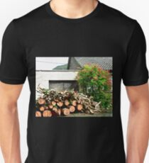 Logs'n Roses, Sligo, Donegal, Ireland Unisex T-Shirt