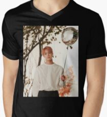 Jin  Men's V-Neck T-Shirt