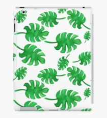 Seamless pattern of palm leaves painted with watercolors iPad Case/Skin