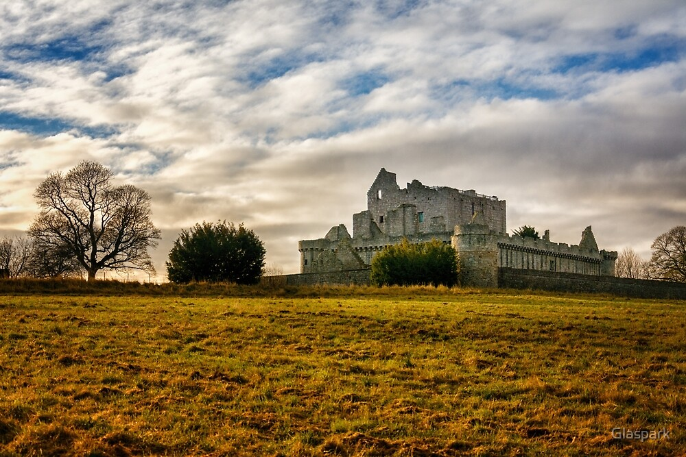 Craigmillar Castle by Glaspark