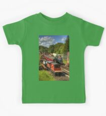 Crowds at Goathland Station Kids Clothes
