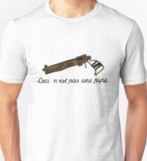 Ceci n'est pas une pipe pistol T-Shirt