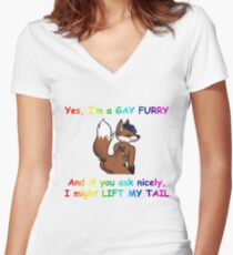 Homosexuell pelzigen Tailliertes T-Shirt mit V-Ausschnitt