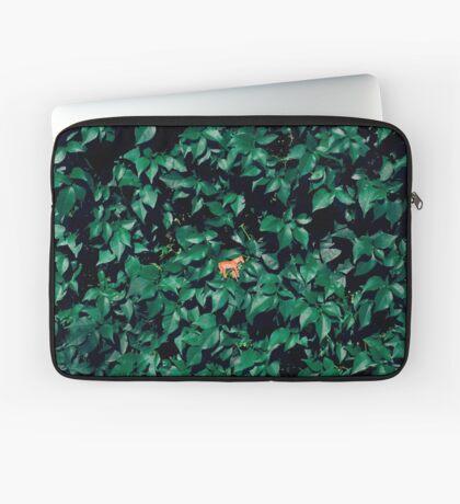 Orange Pferd im Busch Laptoptasche