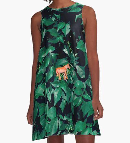 Orange Pferd im Busch A-Linien Kleid