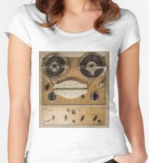 Vintage tape sound recorder reel to reel  Fitted Scoop T-Shirt
