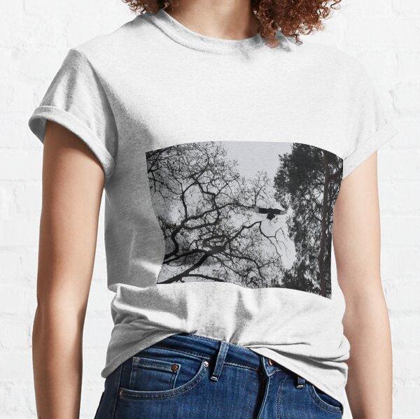 Magpie in Flight Classic T-Shirt