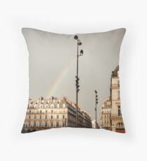 Paris Street View mit Regenbogen Dekokissen