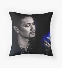 Magnus Bane S2 Throw Pillow