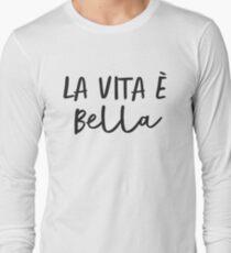 La Vita e Bella (Script) T-Shirt