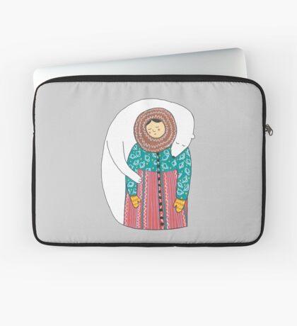 Lady And Her Polar Bear Friend Housse de laptop