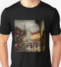 City - Amsterdam NY - Life begins 1941 T-Shirt