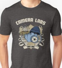 Cameralabs Photography Crest (Camera, Coffee, Beanie) Slim Fit T-Shirt