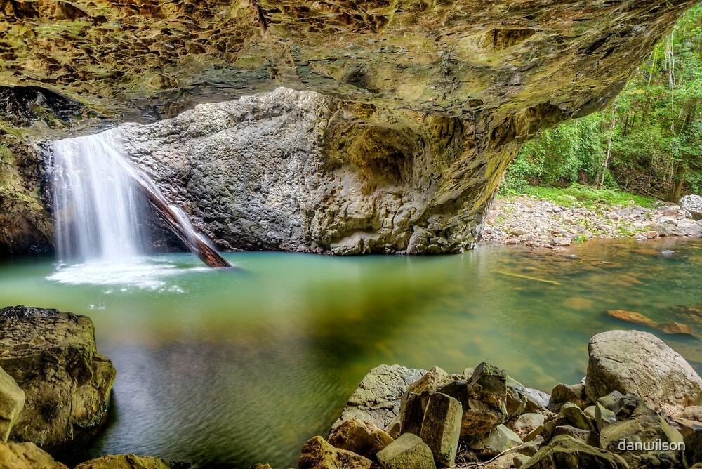 Natural Bridge by danwilson