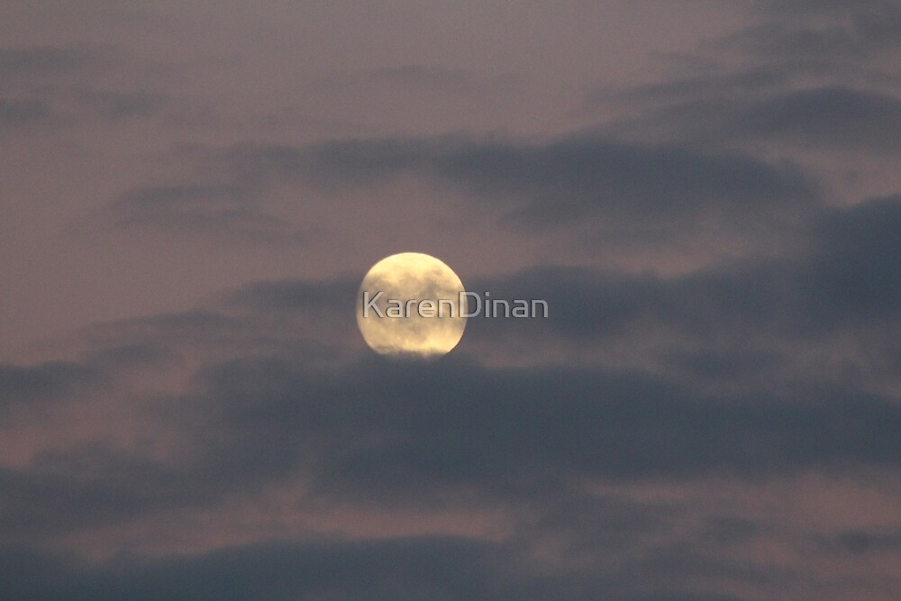 Almost Full Moon 12-12-16 0530 by KarenDinan