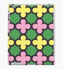 Summer Fun Quatrefoil Pattern iPad Case/Skin