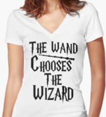 The wand chooses the wizard Women's Fitted V-Neck T-Shirt