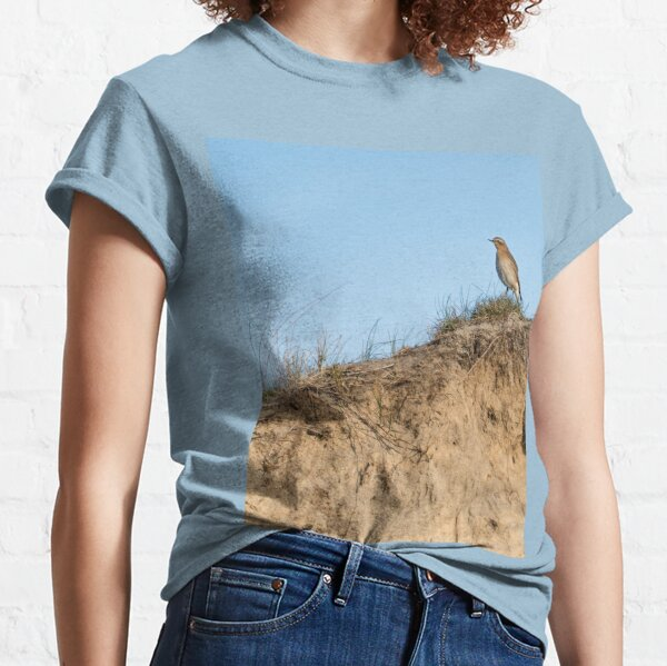 Northern wheatear on top of a dune Classic T-Shirt