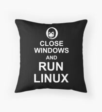 Close Windows and Run Linux - Funny Design for Free Software Geeks Throw Pillow