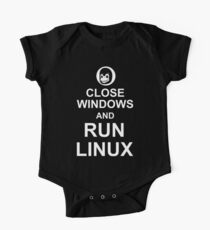 Close Windows and Run Linux - Funny Design for Free Software Geeks Kids Clothes