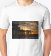 Sunset through the Pier with gull Unisex T-Shirt