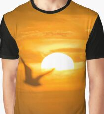 Seagull Passing The Sun - For Dad | Wantagh, New York Graphic T-Shirt