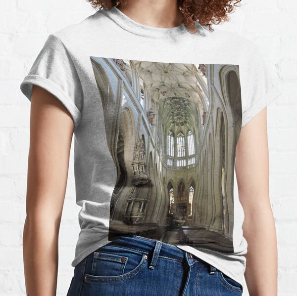St Barbara's cathedral, Kutna Hora, aisle Classic T-Shirt