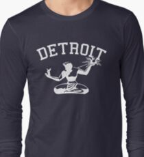 Spirit of Detroit (Vintage Distressed Design) Long Sleeve T-Shirt