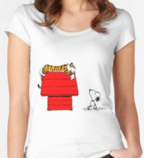 Geek Calvin And Hobbes Tiger Sleep On Doghouse Women's Fitted Scoop T-Shirt