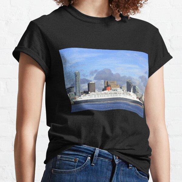 QE2 in Liverpool Classic T-Shirt