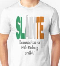 Beannachtaí na Féile Pádraig oraibh - Blessings of St. Patrick upon you. T-Shirt