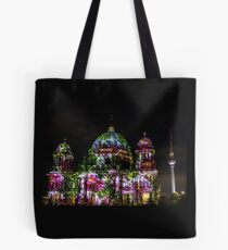 roses at the cathedrale Tote Bag
