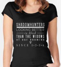 """Die tödlichen Instrumente: """"Schattenjäger"""" Tailliertes Rundhals-Shirt"""