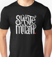 Slainte Mhath in white and red Slim Fit T-Shirt