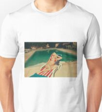 American Blonde Beauty 9048 Unisex T-Shirt