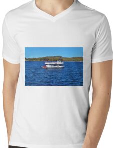 FUN DAY TOUR ON LAKE ARROWHEAD Mens V-Neck T-Shirt