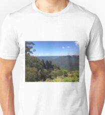 Blue Mountains and Three Sisters, Sydney, Australia Unisex T-Shirt