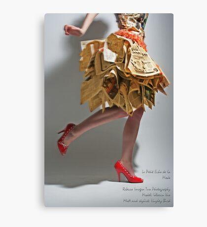 Le Petit Echo de la Mode Canvas Print