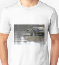 Loggerhead turtle heading back to the ocean T-Shirt